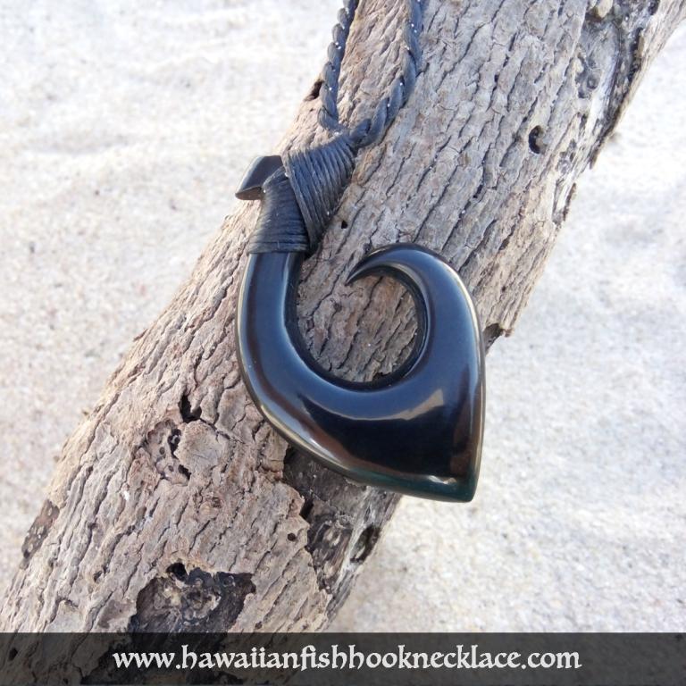 black-hook-necklace